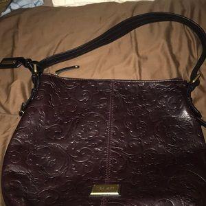 Classy, gorgeous shoulder bag